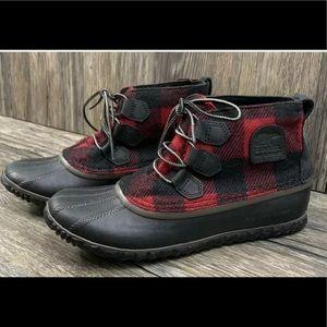 Sorel Out n About Boots Buffalo Plaid Red sz. 8.5
